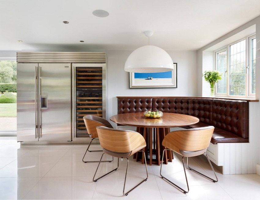 Для того чтобы образ кухни был законченным, важно чтобы в едином стиле были выполнены: мебель, оформление стен, декоративные интерьерные вещи