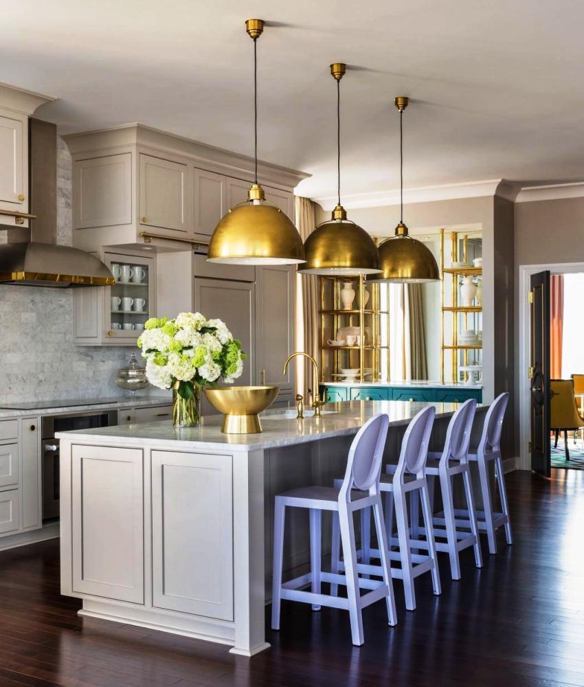 Современные дизайнерские решения помогают соединить настоящий домашний уют с королевской респектабельностью и изысканностью