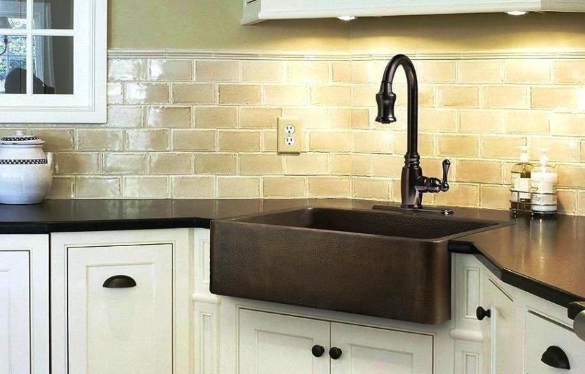 Сегодня кухонные мойки изготавливают из различных материалов, обладающих хорошими качественными характеристиками
