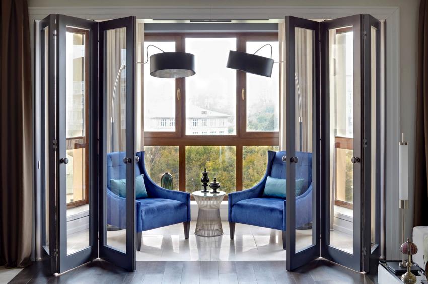 Современные деревянные окна изготавливаются из клееного бруса и герметичных стеклопакетов