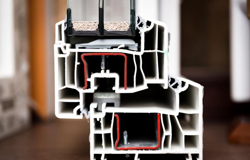 Профиль с увеличенной монтажной шириной обеспечивает повышенную звукоизоляцию и теплосбережение