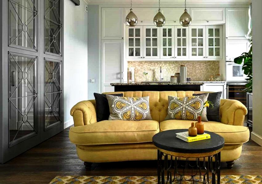 Установка дивана в кухне позволяет значительно увеличить комфортабельность помещения