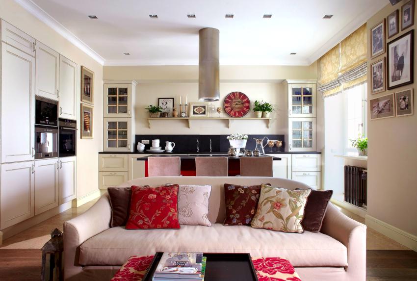 Кухонный диван со спальной позицией, оборудованный механизмом «дельфин» является наиболее популярным