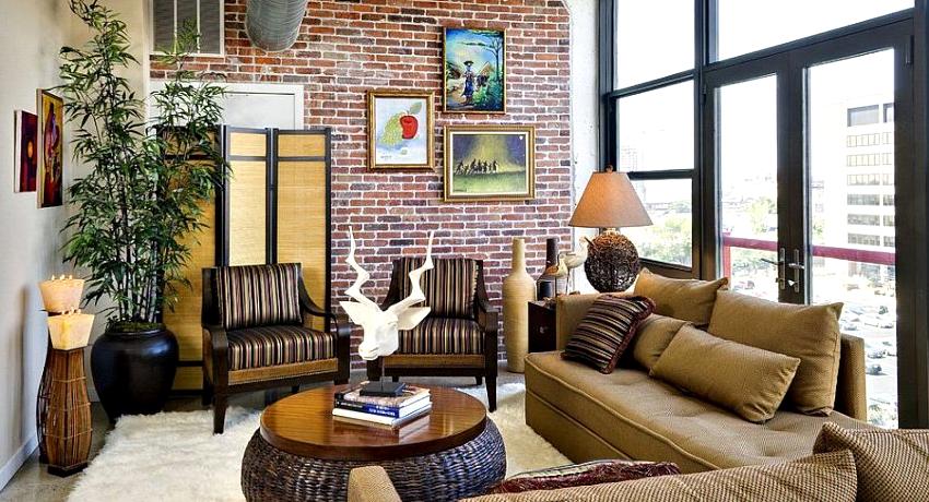 Балкон в стиле лофт подразумевает наличие стенки, выложенной из кирпича, или ее имитации
