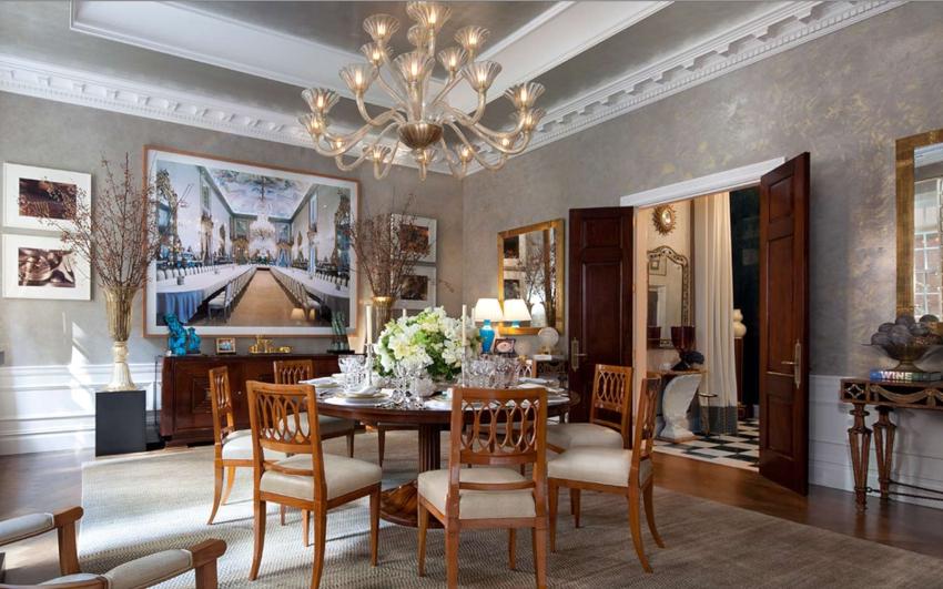 При оформлении классической гостиной особое внимание уделяется выбору предметов мебели