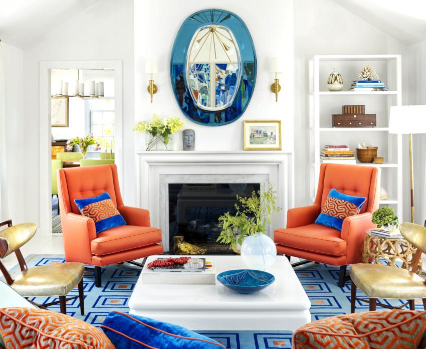 Характерным дополнением для дизайна гостиной в стиле прованс станут композиции из цветов в живом или засушенном виде