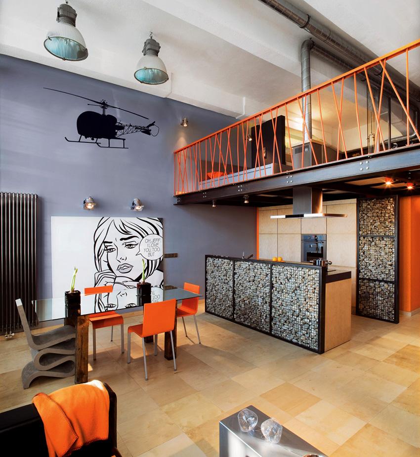 В гламурном лофте всегда присутствуют оригинальные элементы декора или эффектная мебель