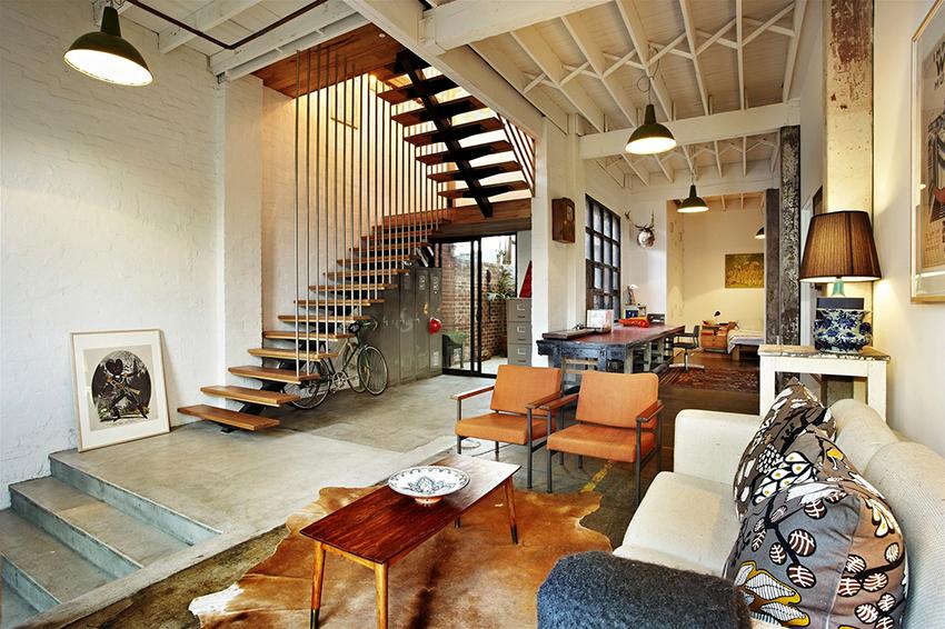 В стиле лофт можно использовать предметы мебели из разных гарнитуров