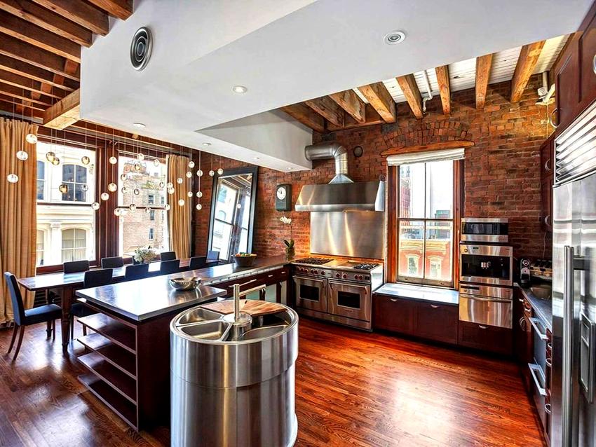 Для кухонь в стиле лофт приобретается крупная стальная бытовая техника