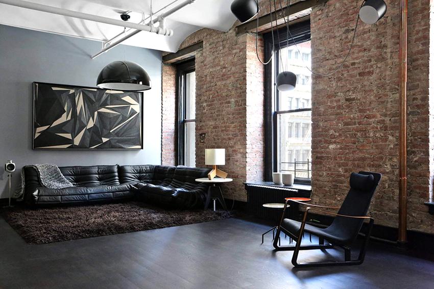 Гостиная в стиле лофт должна быть просторная и хорошо освещенная