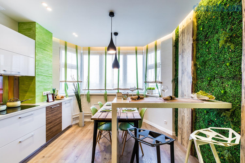 Живые растения в большом количестве - обязательная часть интерьера кухни в стиле эко