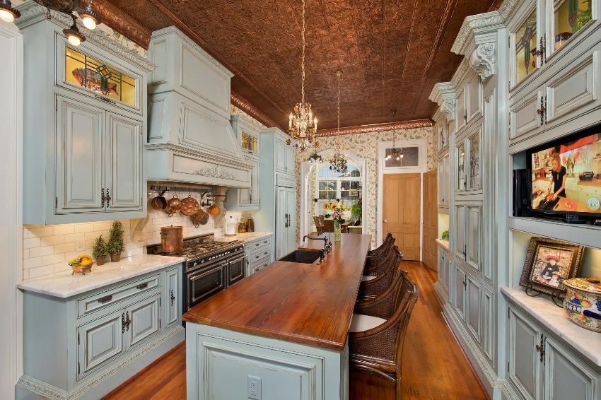 Кухня в классическом стиле хороша тем, что никогда не выходит из моды, она уютна, функциональна