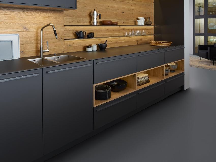 Кухонный гарнитур – это готовый мебельный комплекс, включающий в себя все элементы для удобного обустройства кухни