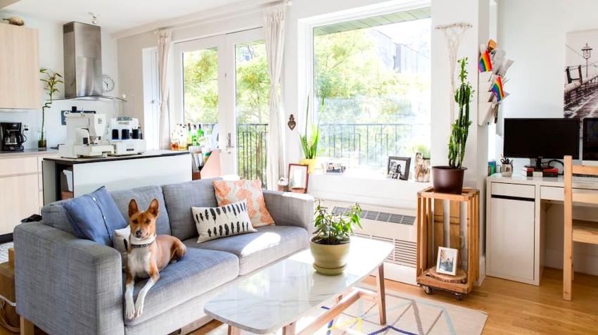 Для маленьких квартир наиболее удачным вариантом является объединение нескольких помещений