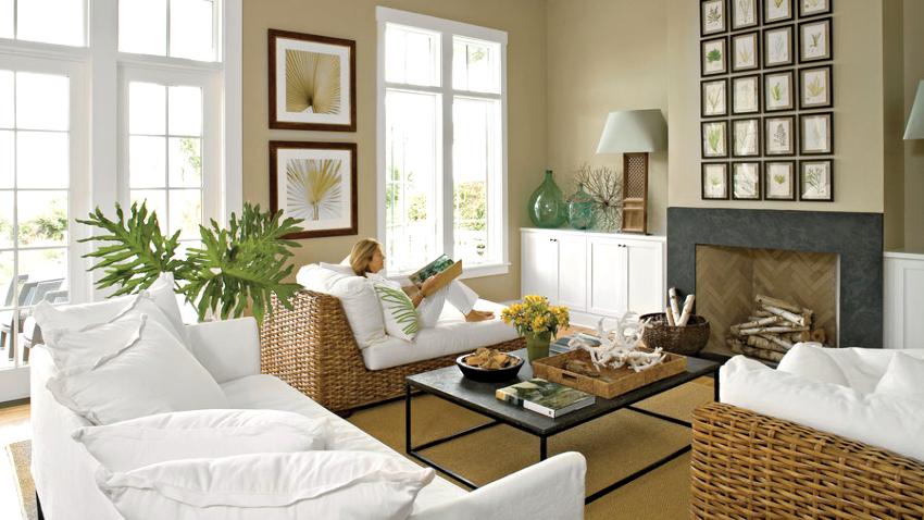 Мебель в гостиной должна располагаться таким образом, чтобы у каждого домочадца было индивидуальное место для занятия собственным делом