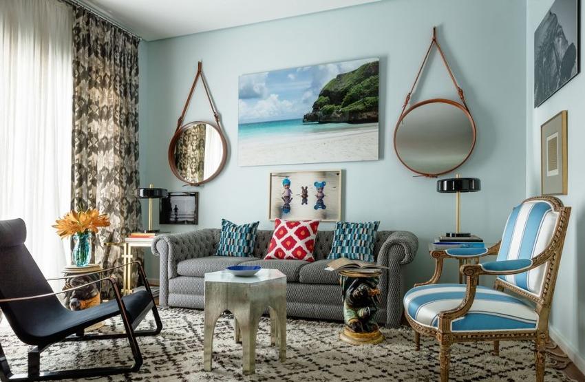 Гостиная в хрущевке - это маленькая комната, поэтому не стоит подбирать мебель больших размеров