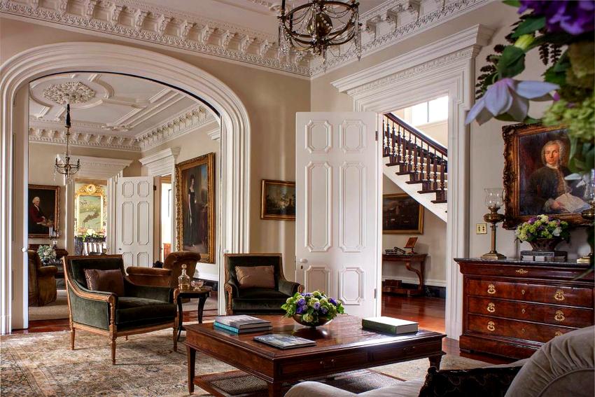 Отделочные материалы для гостиной подбираются исходя из концепции стиля