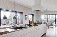 Чтобы правильно подобрать кухонный гарнитур Икеа, следует продумать такие моменты: размещение, размеры, цвет и дизайн