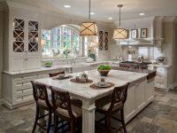 При обустройстве кухни важно создать не просто красивое, но и функциональное пространство
