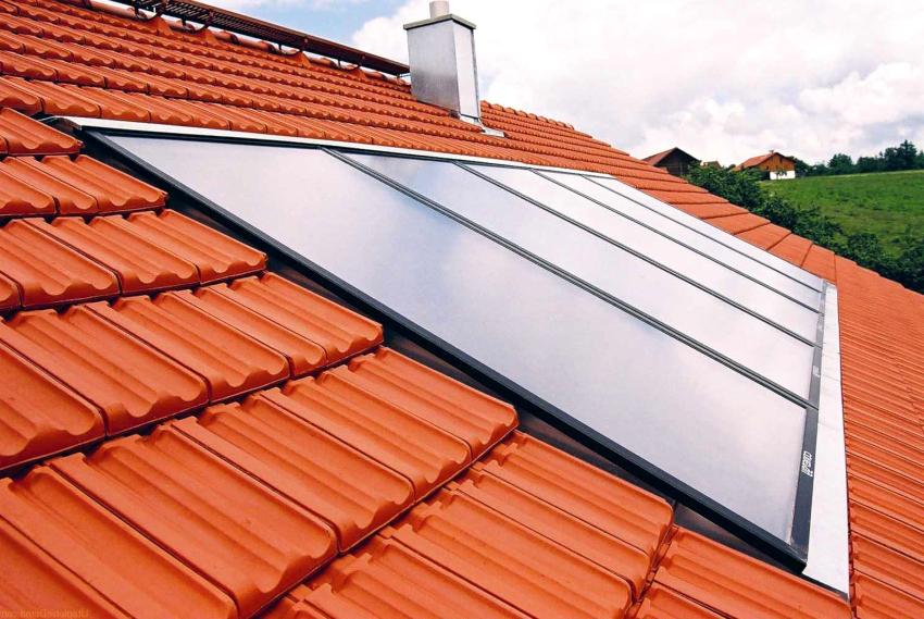 Солнечные коллекторы размещают на крыше дома, где сконцентрирован максимальный уровень солнечного излучения