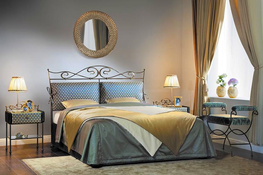 Современная мебельная индустрия предлагает большой выбор кованых кроватей с подъемным механизмом