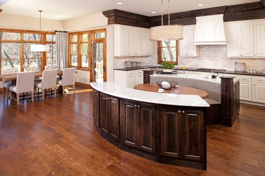 Конструкция кухонных уголков может быть как цельной, так и модульной