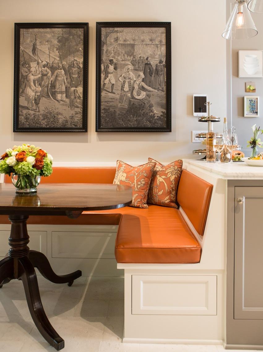 Размер углового дивана полностью зависит от размера кухни