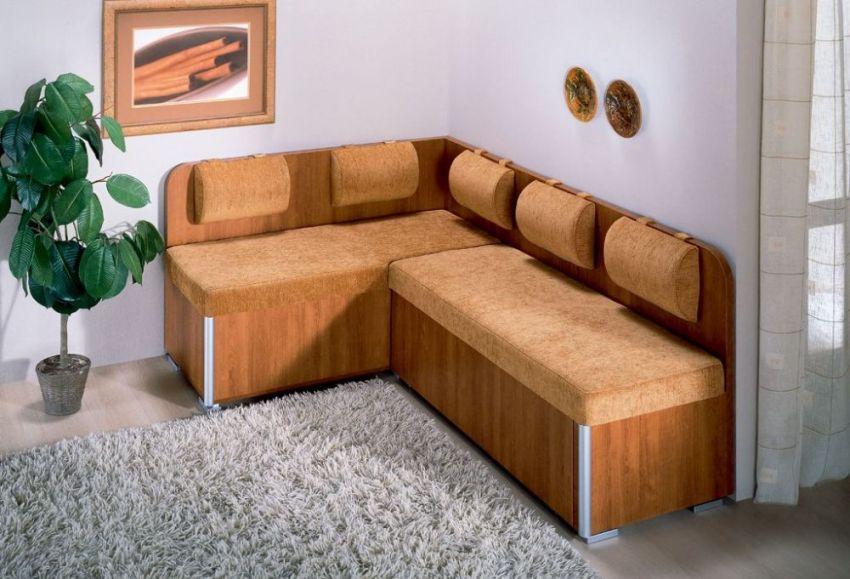 Кухонные уголки со спальным местом будут стоить намного дешевле, чем обычная кухонная мебель и мягкий диван в отдельности