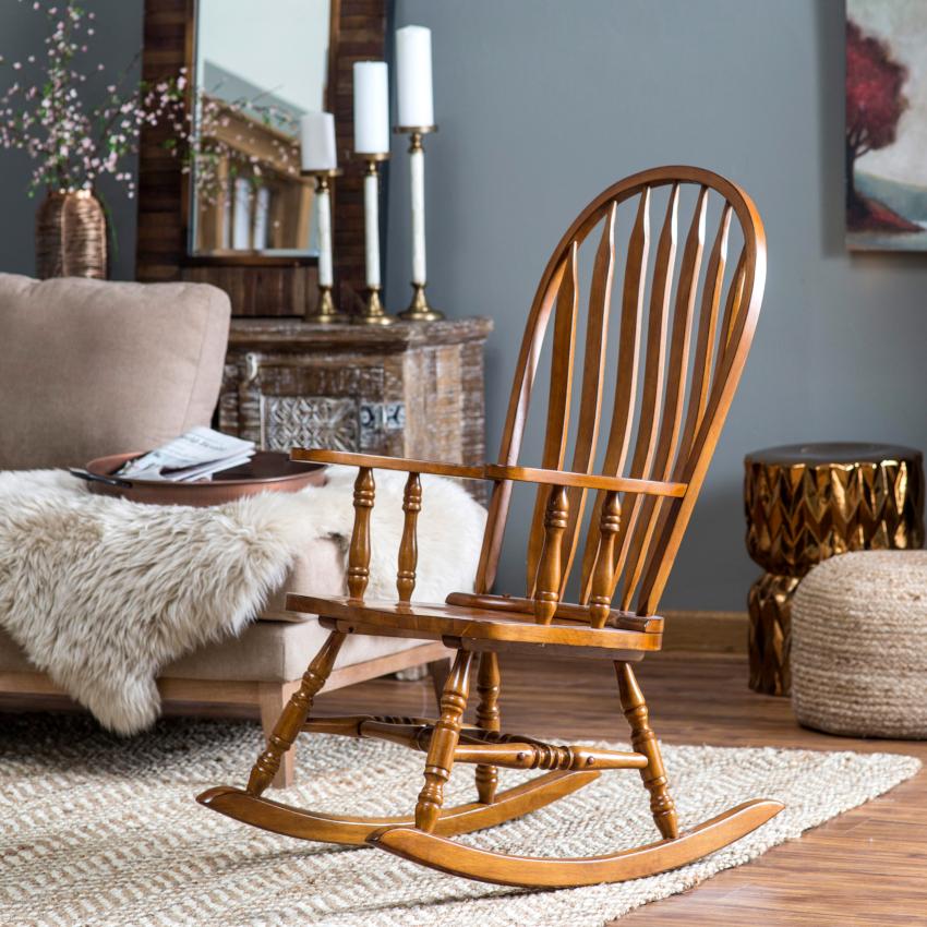 Расстановка элементов мебели в гостиной определяется ее планировкой