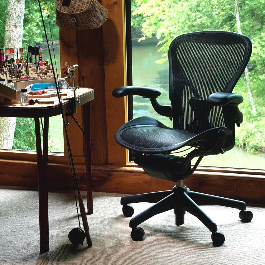 Ортопедические кресла благодаря всевозможным механизмам регулировки, позволяют в процессе работы разгружать некоторые участки тела