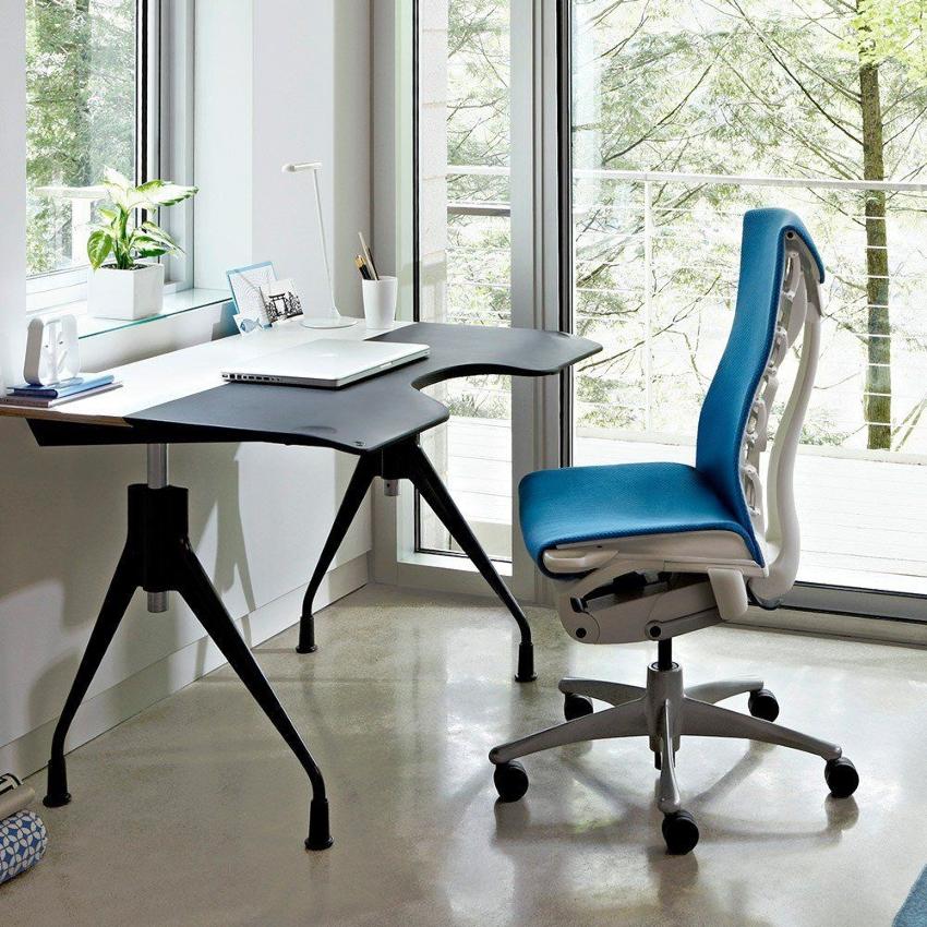 При выборе материала следует учитывать особенности использования стула