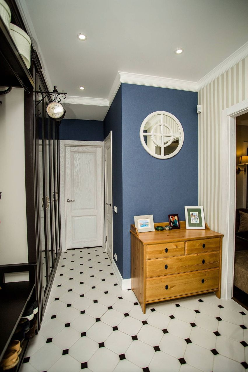 Мебель для небольшой прихожей должна отличаться многофункциональностью и легкостью