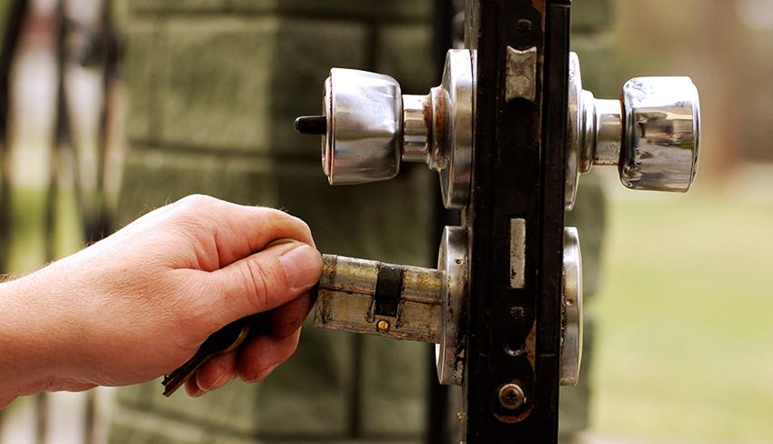 Ремонт замка во многом зависит от того, какой тип механизма личинки находится в нем