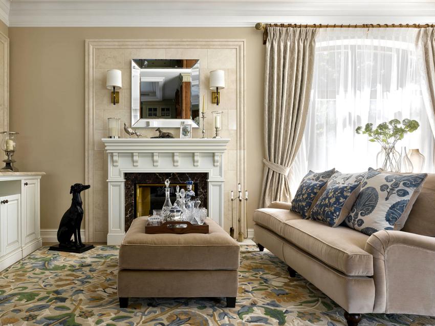 Для пошива штор в гостиную рекомендуется применять мягкие струящиеся ткани