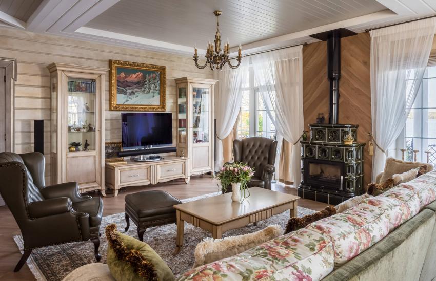 Занавески в гостиную должны быть выполнены из легкой прозрачной или полупрозрачной ткани