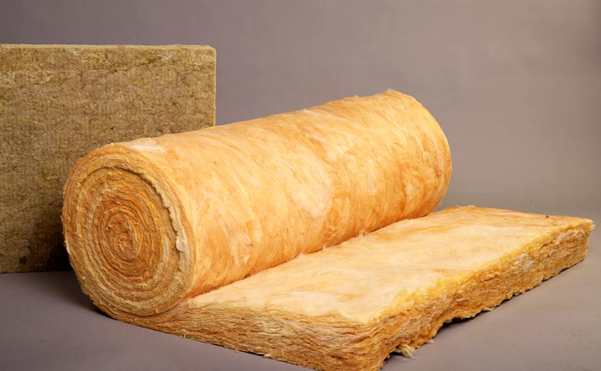 Чтобы предотвратить потерю тепла, корпус коллекторов утепляют минеральной ватой или пенопластом