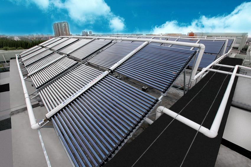 Солнечный коллектор в летний период может обеспечить дом теплой водой