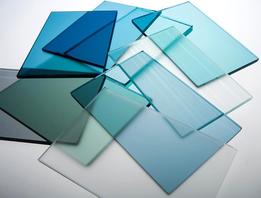 Для изготовления полки своими руками можно использовать готовое стекло нужного размера