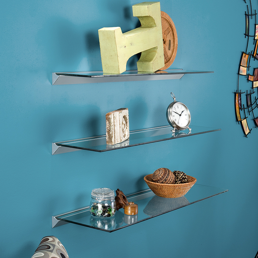 Для крепления нешироких стеклянных полок можно использовать алюминиевый профиль