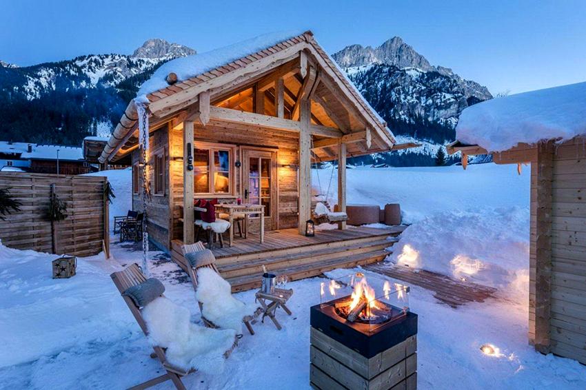 Баня в альпийском стиле должна быть просторной, построенной из натуральных материалов