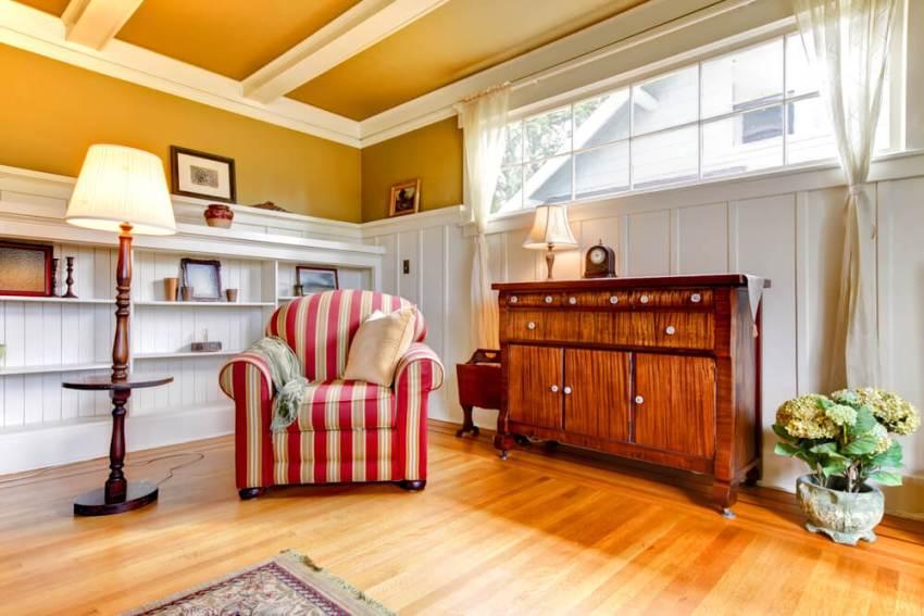Стены, полы и потолки квартиры могут быть выполнены в одном стиле, а мебель – в другом