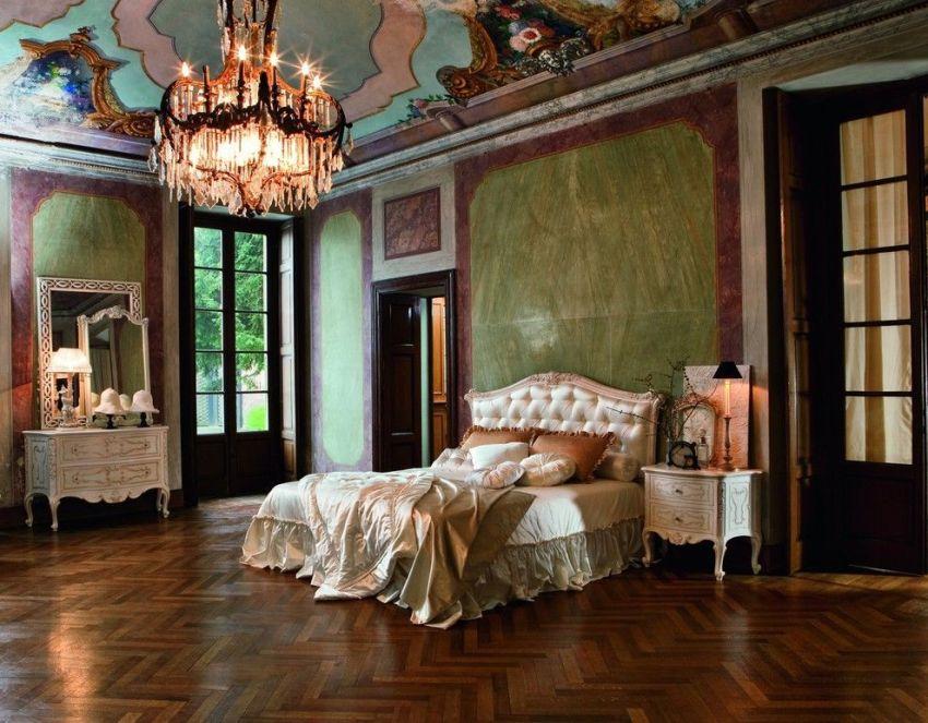 В интерьере барокко цветовая гамма часто основывается на контрасте