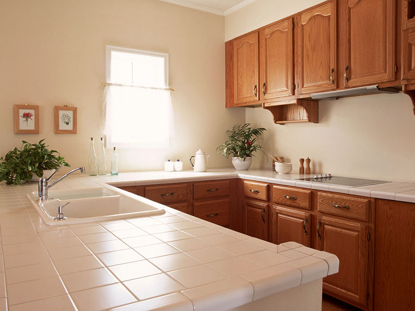 Кухонная столешница из плитки – достойная альтернатива каменным изделиям