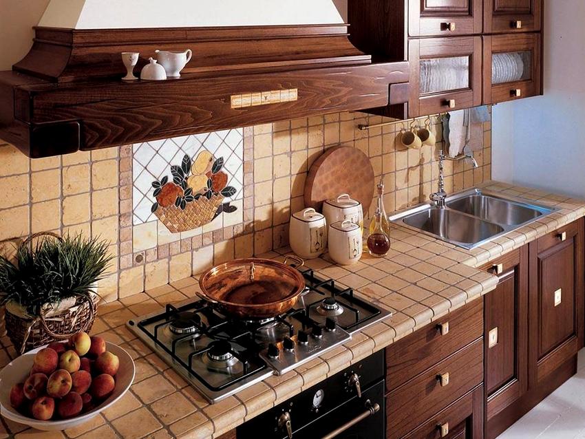 Столешницы из керамической плитки являются прочными и термоустойчивыми