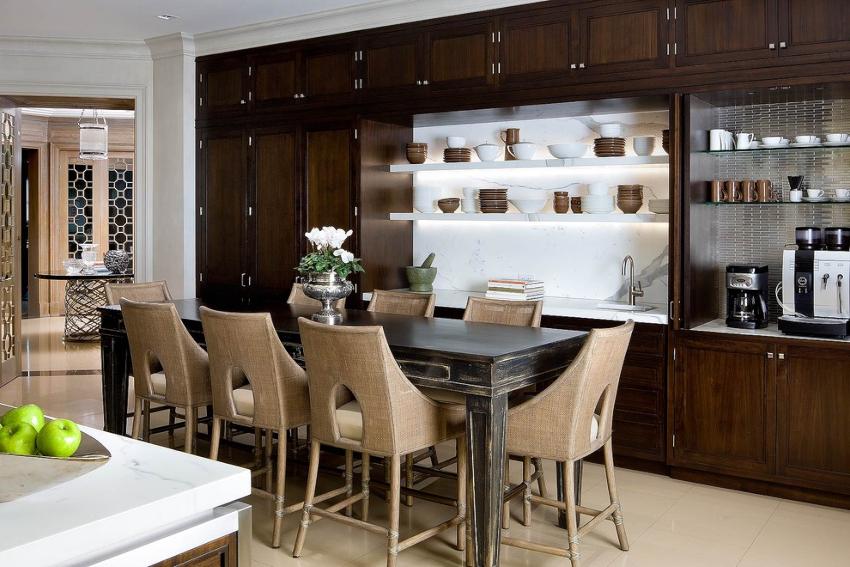 Кухонные стулья подразделяют на три группы по уровню жесткости