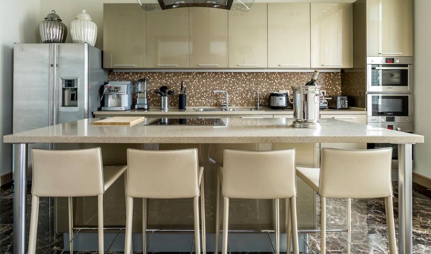 Выбор расцветки кухонных стульев зависит от того, какие тона преобладают в интерьере