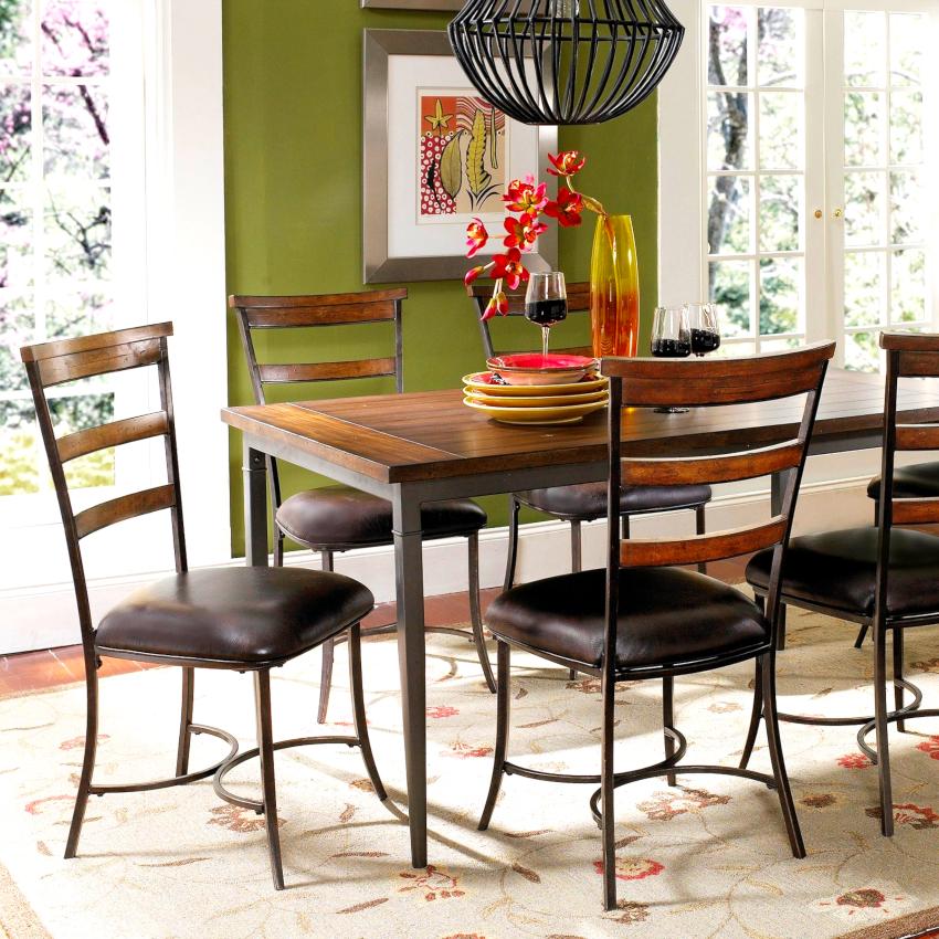 Кухонные стулья из метала могут выдерживать нагрузки до 150 кг