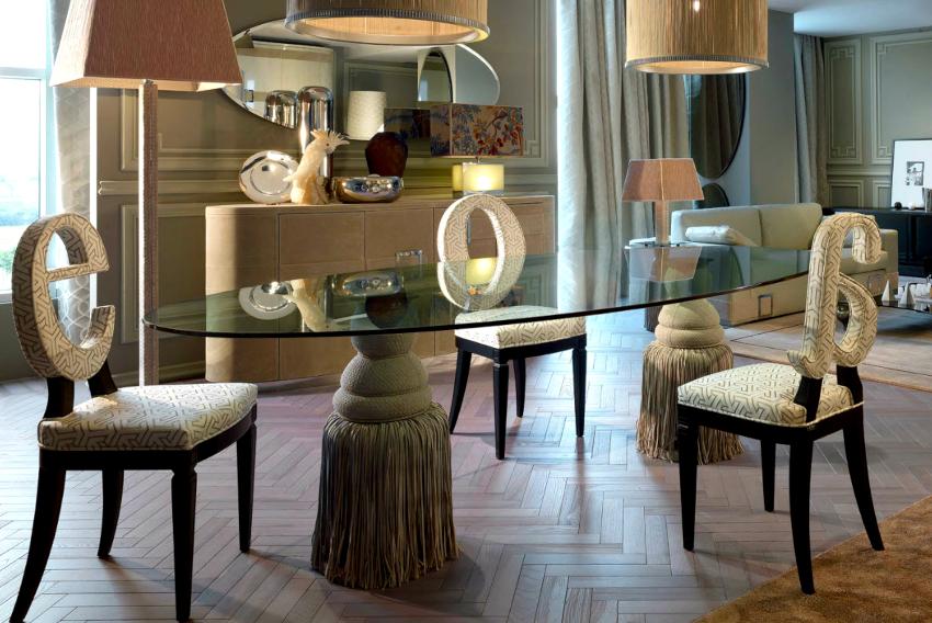 Форма спинки в дизайнерских кухонных стульях может быть самой разной
