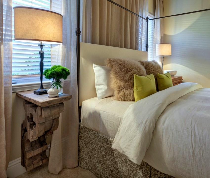 Многие дизайнеры способны изготовить тумбочку из куска полена, из старого чемодана, из бывшей табуретки, из паллет