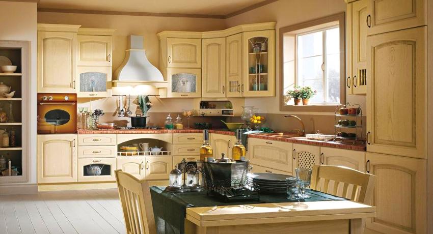 Потолок может быть натяжным, гипсокартонным или комбинированным
